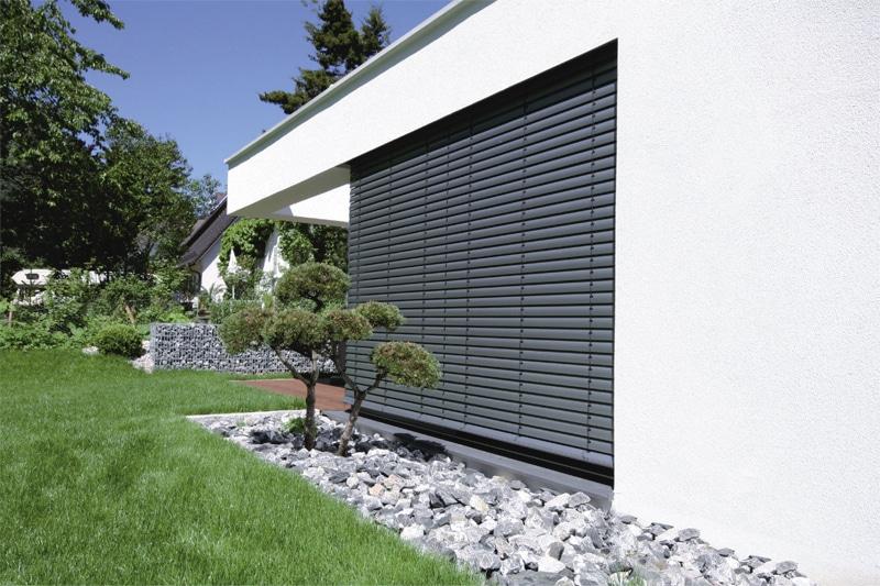 brise soleil orientable ce qu il faut savoir avant de choisir. Black Bedroom Furniture Sets. Home Design Ideas