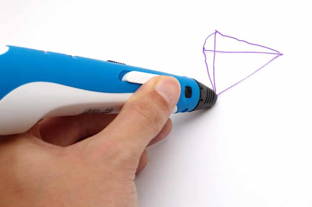 CV à l'aide du stylo 3d