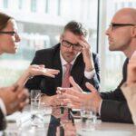 Contacter un avocat en droit du travail pour résoudre vos conflits au travail