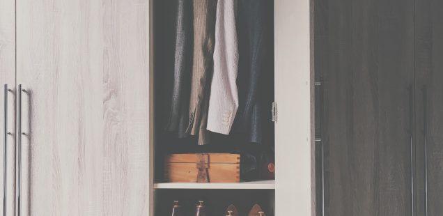portes de placard battantes top cool portes de dressing portes portes battantes portes pliantes. Black Bedroom Furniture Sets. Home Design Ideas